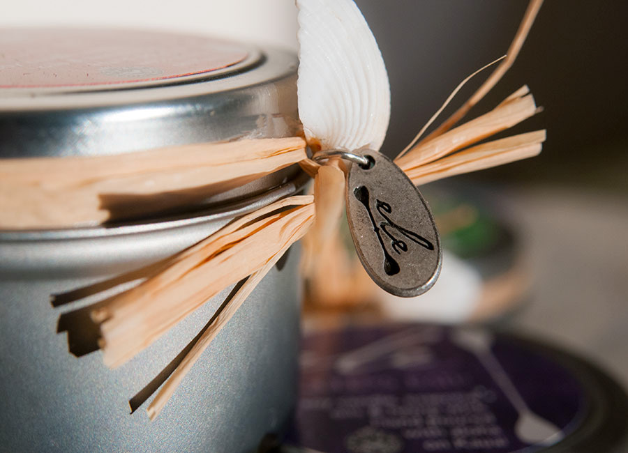 Ele Kauai Candle Tag Detail